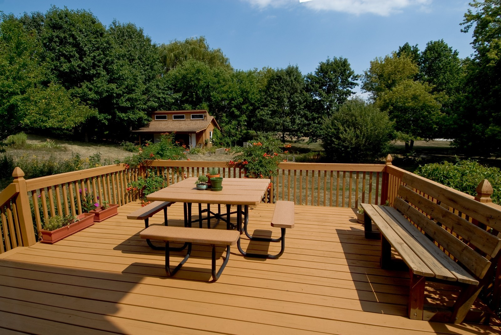 Real Estate Photography - 37W786 McKee St, Batavia, IL, 60510 - Deck
