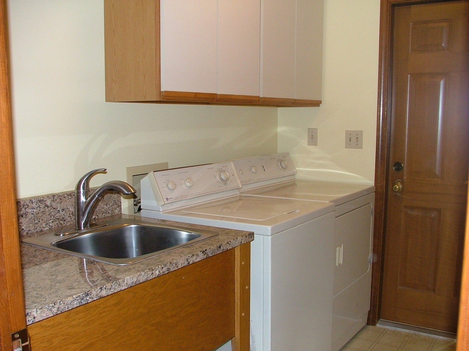 Real Estate Photography - 37W786 McKee St, Batavia, IL, 60510 - Laundry Room