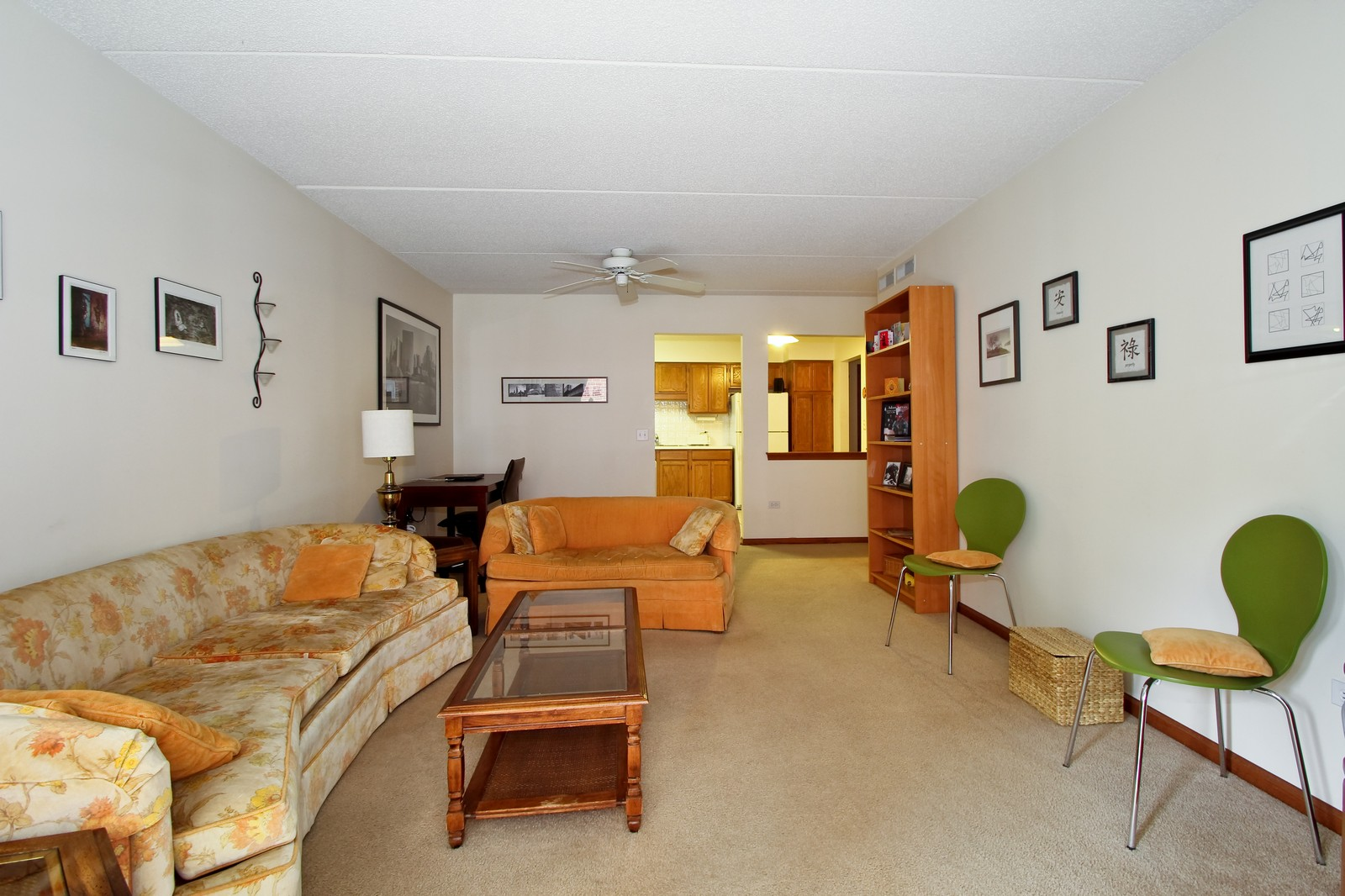 Real Estate Photography - 5340 N Lowell Ave, Unit 206, Chicago, IL, 60630 - Location 1