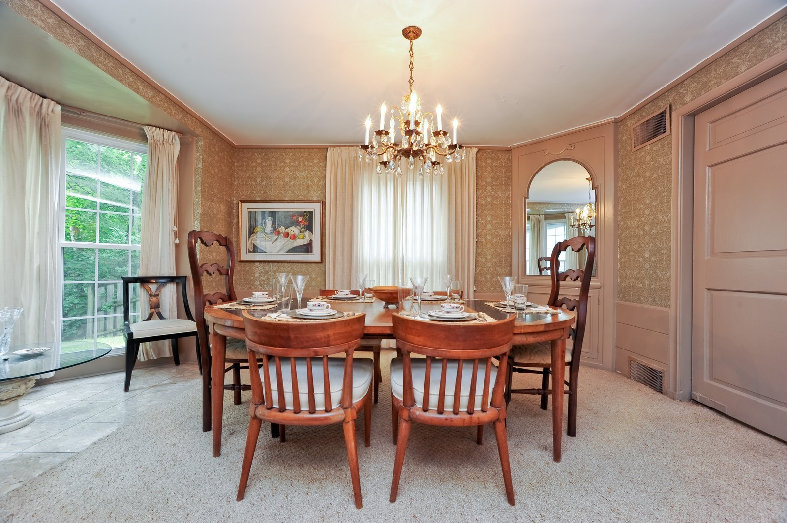 Real Estate Photography - 220 Braeburn Ave, Highland Park, IL, 60035 - Dining Room