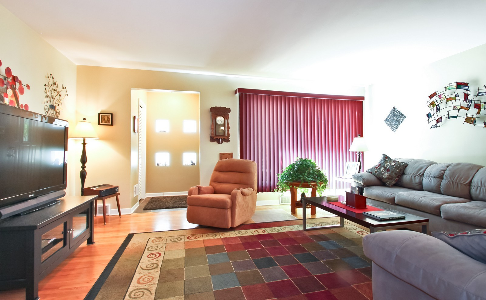 Real Estate Photography - 6071 N Caldwell, Chicago, IL, 60646 - Location 1