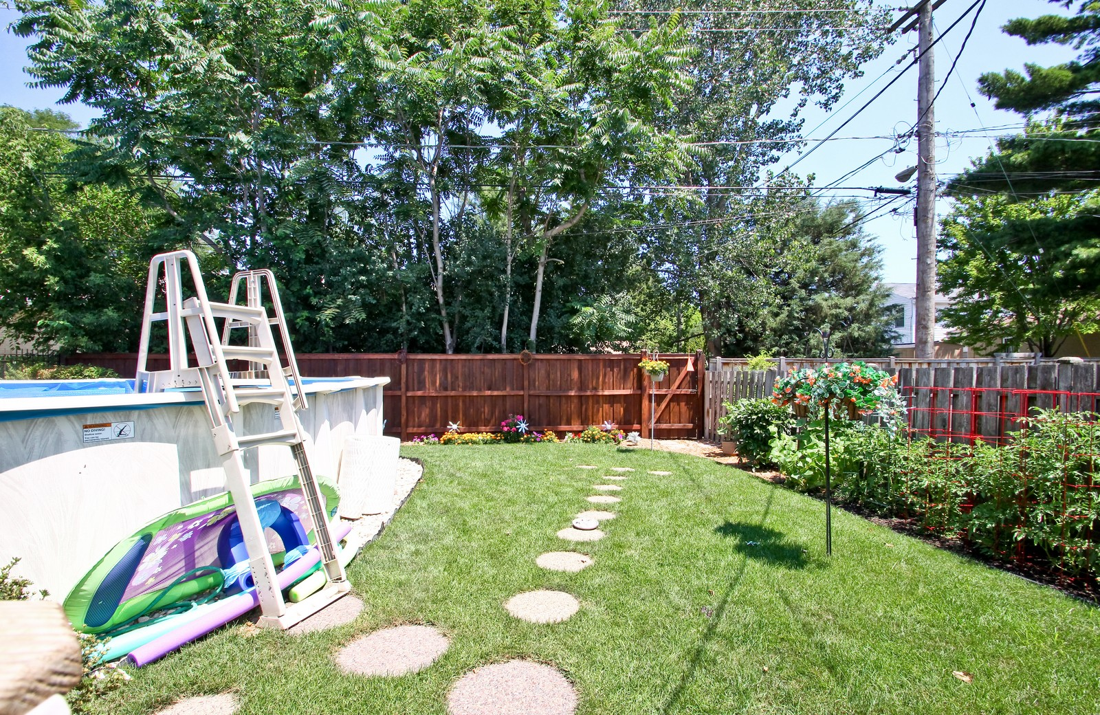 Real Estate Photography - 6071 N Caldwell, Chicago, IL, 60646 - Back Yard