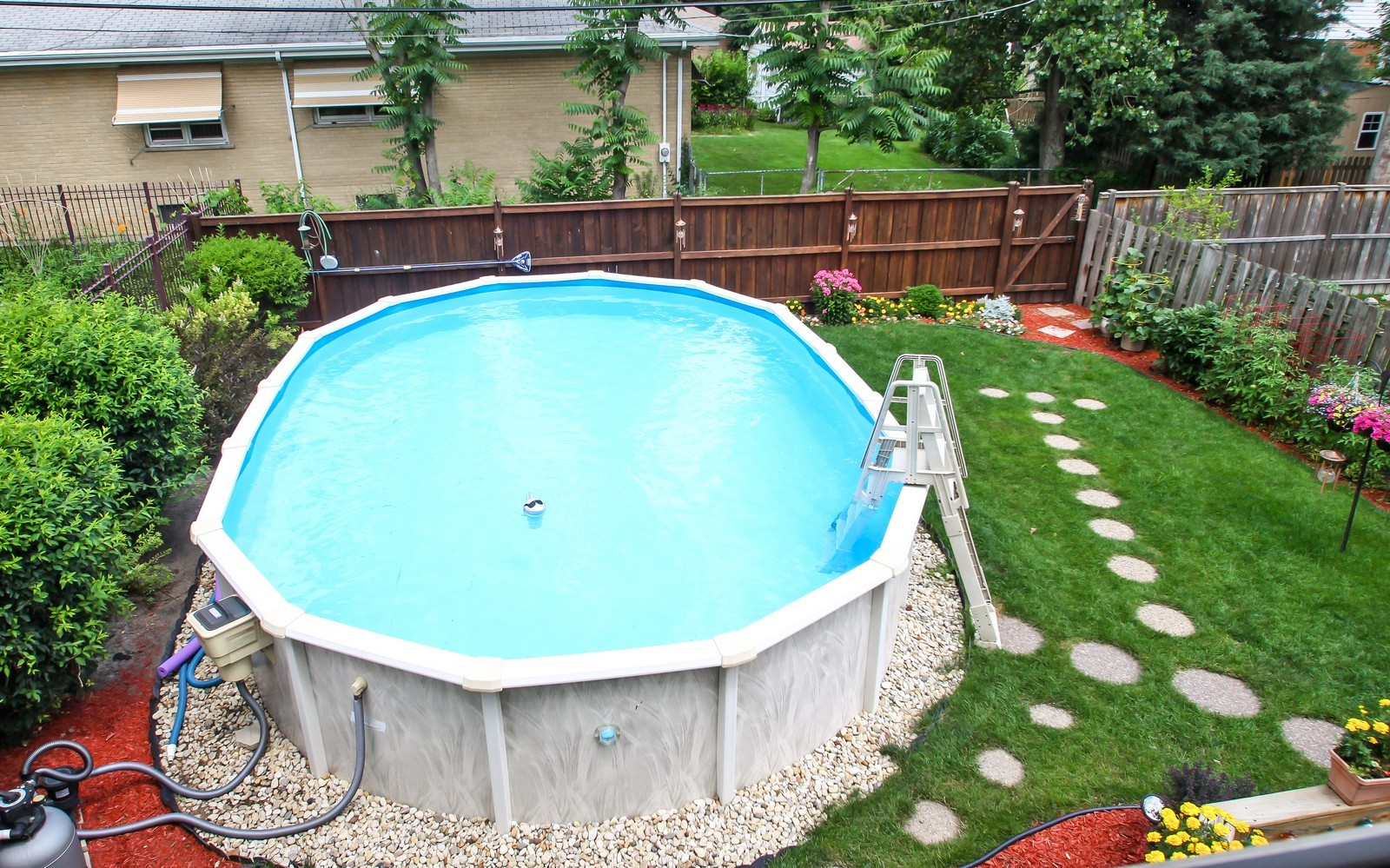 Real Estate Photography - 6071 N Caldwell, Chicago, IL, 60646 - Pool