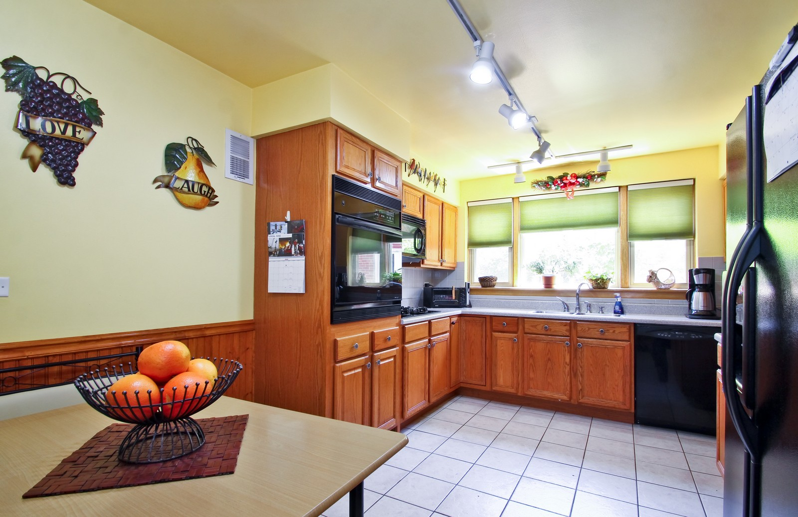 Real Estate Photography - 6071 N Caldwell, Chicago, IL, 60646 - Kitchen