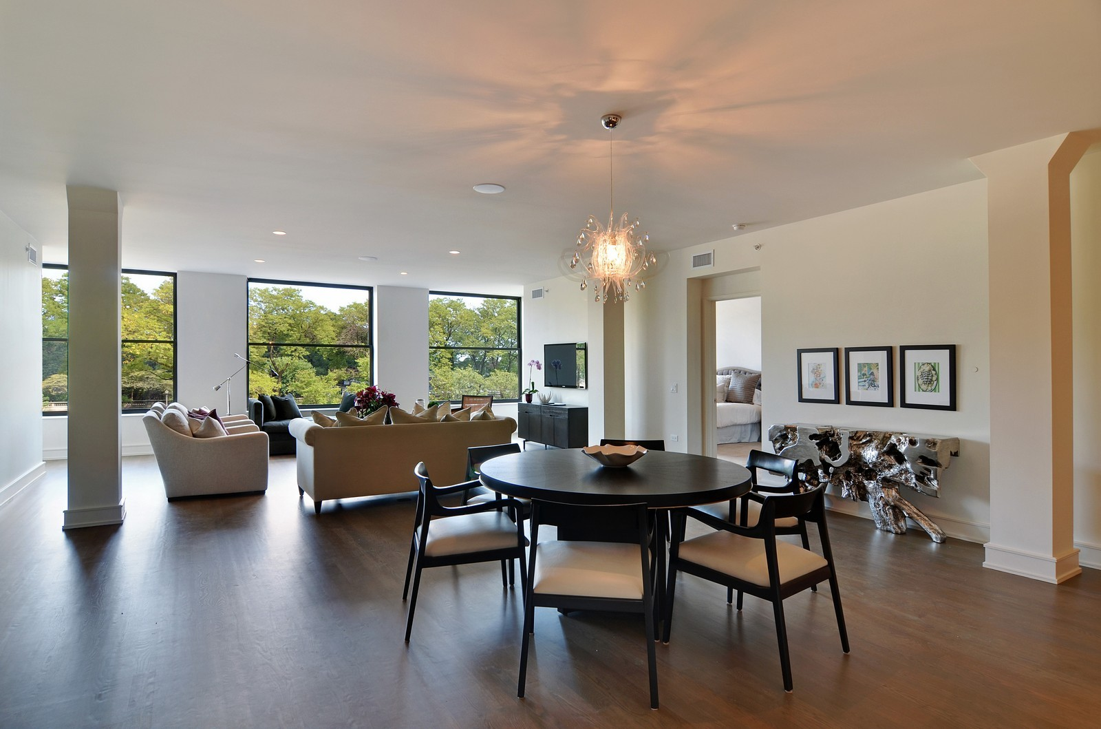 Real Estate Photography - 318 S Michigan Ave, Unit 300, Chicago, IL, 60604 - Living Room / Dining Room