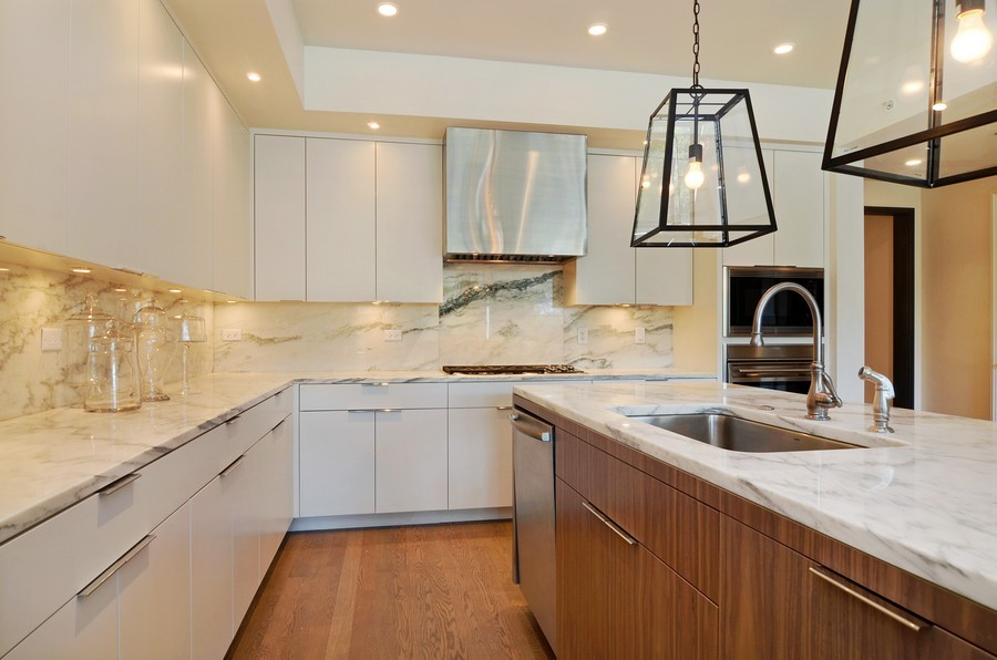 Real Estate Photography - 318 S Michigan Ave, Unit 300, Chicago, IL, 60604 - Kitchen