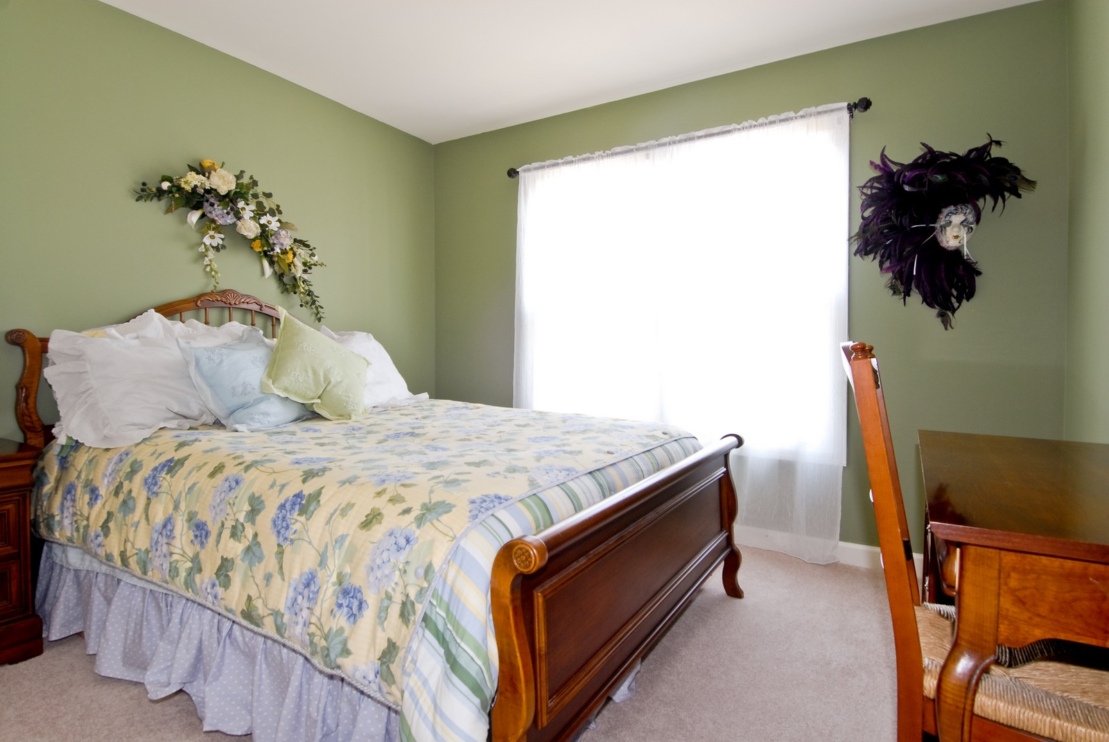 Real Estate Photography - 1222 Rhodes Ln, Naperville, IL, 60540 - 2nd Bedroom