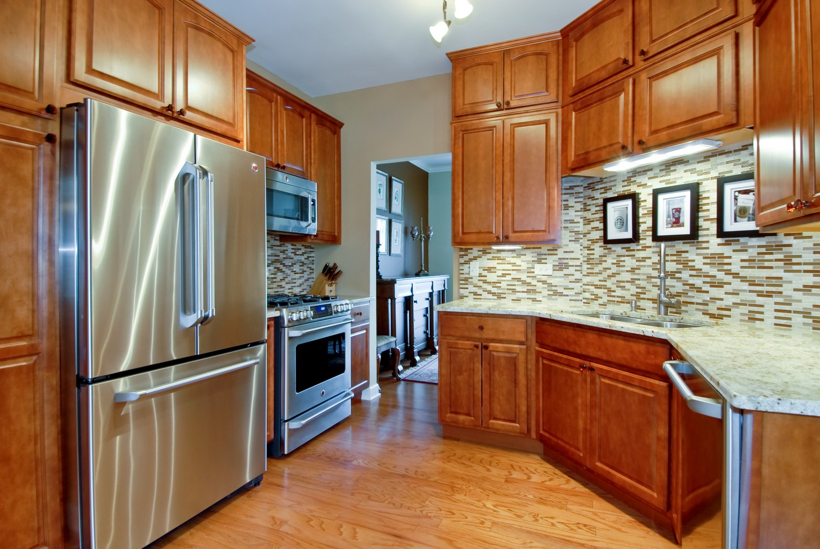 Real Estate Photography - 1222 Rhodes Ln, Naperville, IL, 60540 - Kitchen