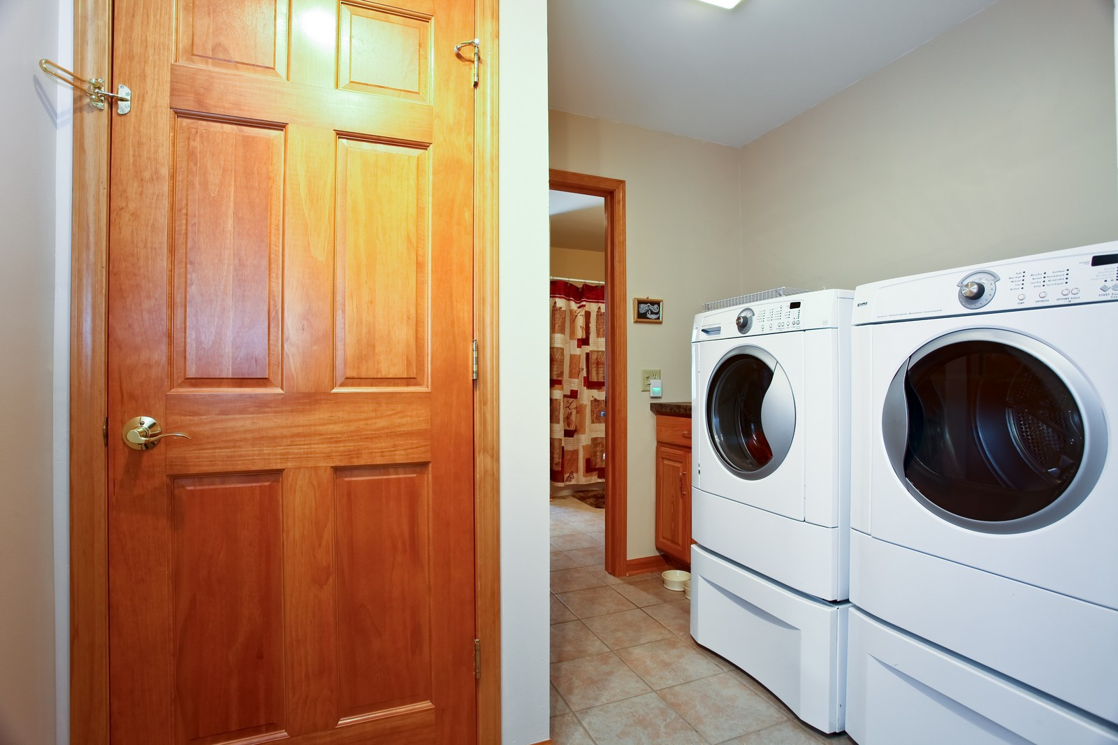 Real Estate Photography - 307 S East St, Earlville, IL, 60518 - Laundry Room