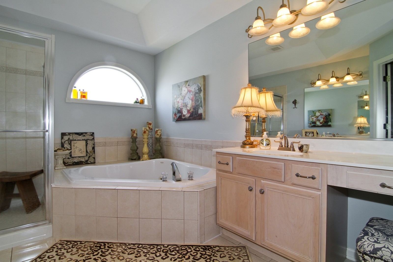 Real Estate Photography - 0N837 E Curtis Square, Geneva, IL, 60134 - Master Bathroom