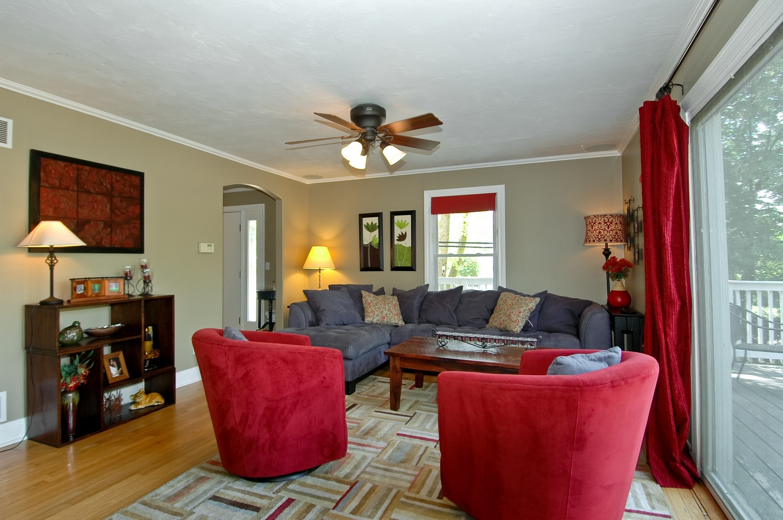 Real Estate Photography - 314 Crystal Lake Road, Lake in the Hills, IL, 60156 - Living Room