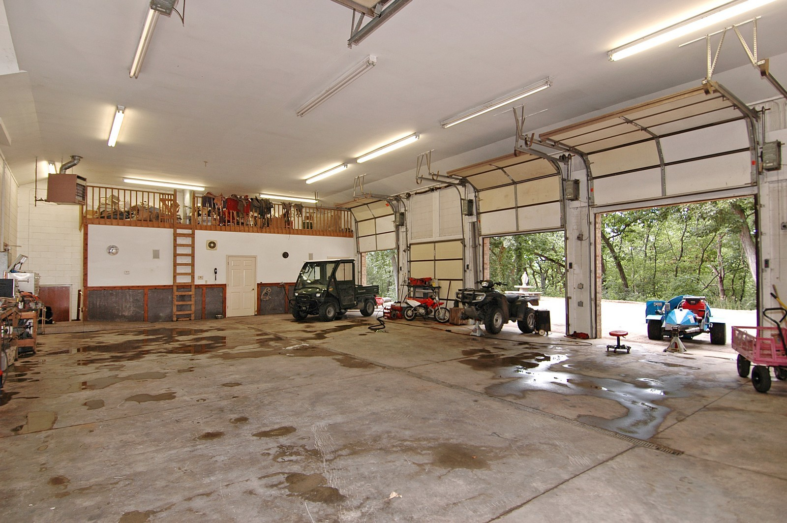 Real Estate Photography - 17140 Route 173 Hwy, Harvard, IL, 60033 - Garage