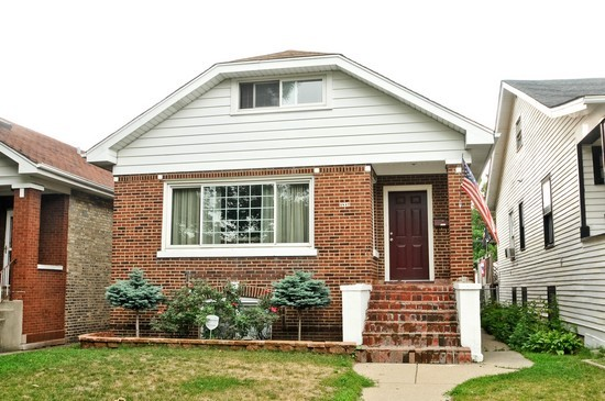 Front View photograph of 4847 W Schubert Ave Chicago Illinois 60639