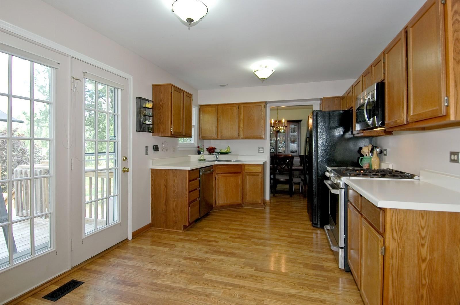 Real Estate Photography - 1604 Stockton Ln, Crystal Lake, IL, 60014 - Kitchen