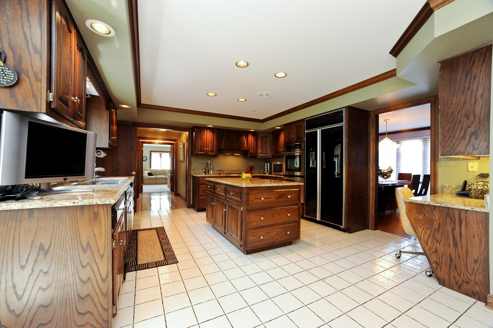Real Estate Photography - 513 Claire Lane, Prospect Heights, IL, 60070 - Kitchen