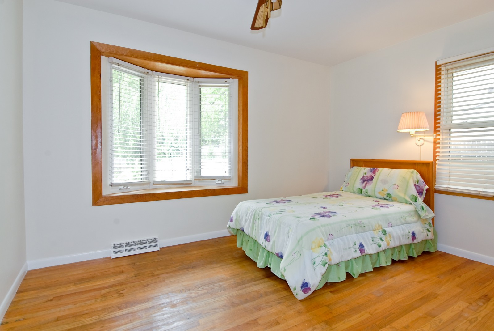 Real Estate Photography - 1733 Pleasant Ave, St Charles, IL, 60174 - 2nd Bedroom