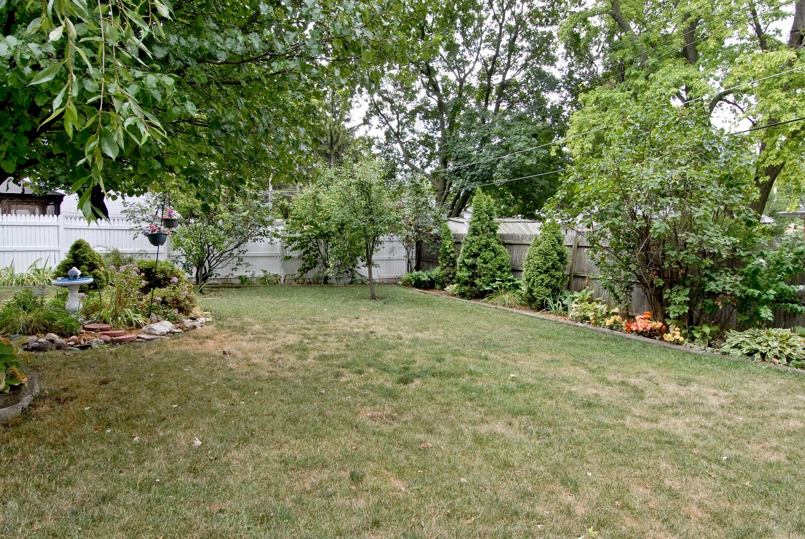 Real Estate Photography - 1733 Pleasant Ave, St Charles, IL, 60174 - Back Yard