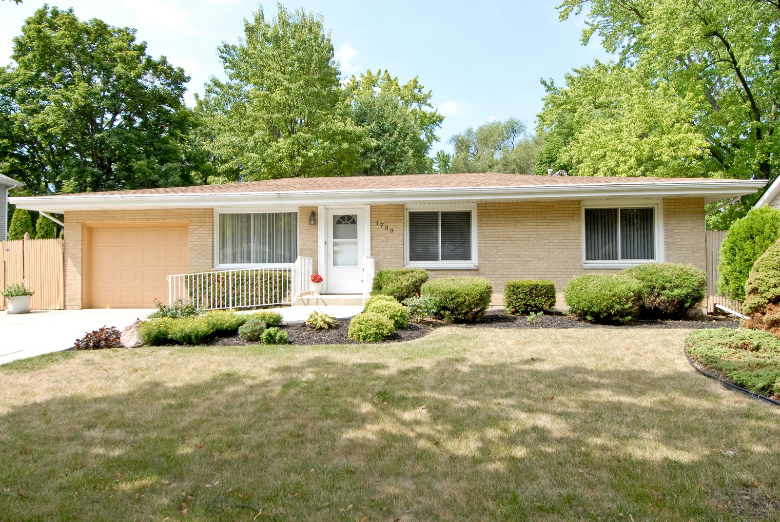 Real Estate Photography - 1733 Pleasant Ave, St Charles, IL, 60174 - Front View