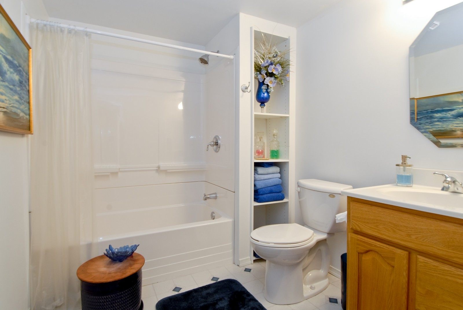 Real Estate Photography - 1733 Pleasant Ave, St Charles, IL, 60174 - Bathroom
