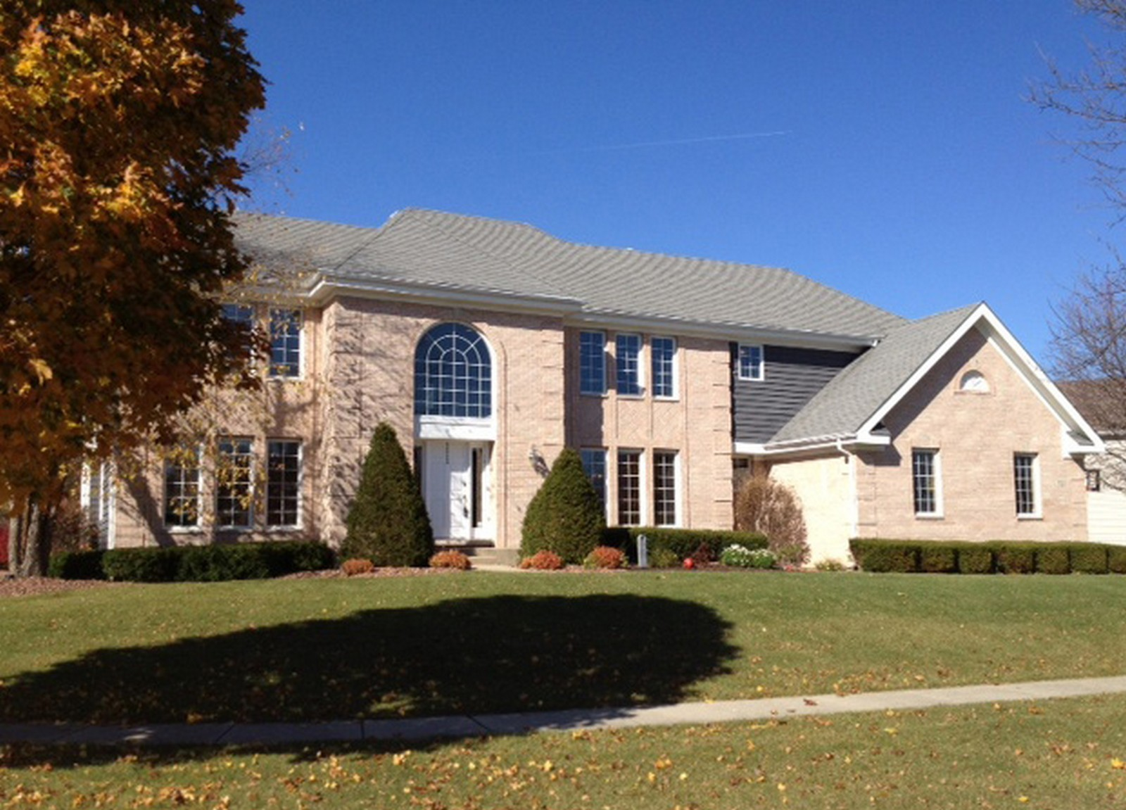Real Estate Photography - 721 Goldenrod Ct, Crystal Lake, IL, 60014 - Front View