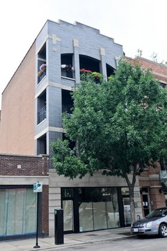 Front View photograph of 3526 N Halsted St Unit 2 Chicago Illinois 60657