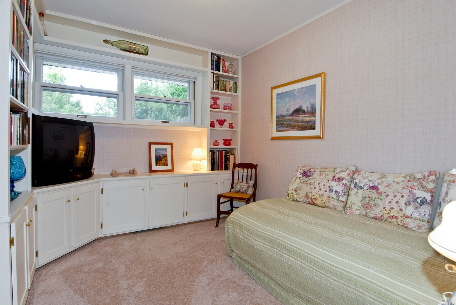 Real Estate Photography - 525 S McKinley St, St Charles, IL, 60174 - 2nd Bedroom