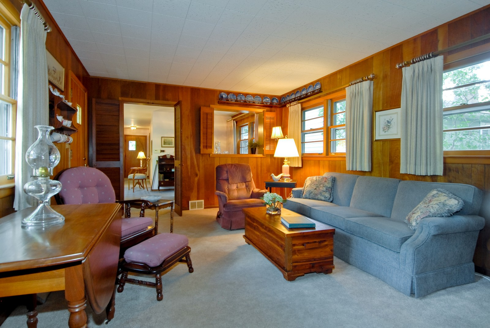 Real Estate Photography - 525 S McKinley St, St Charles, IL, 60174 - Family Room