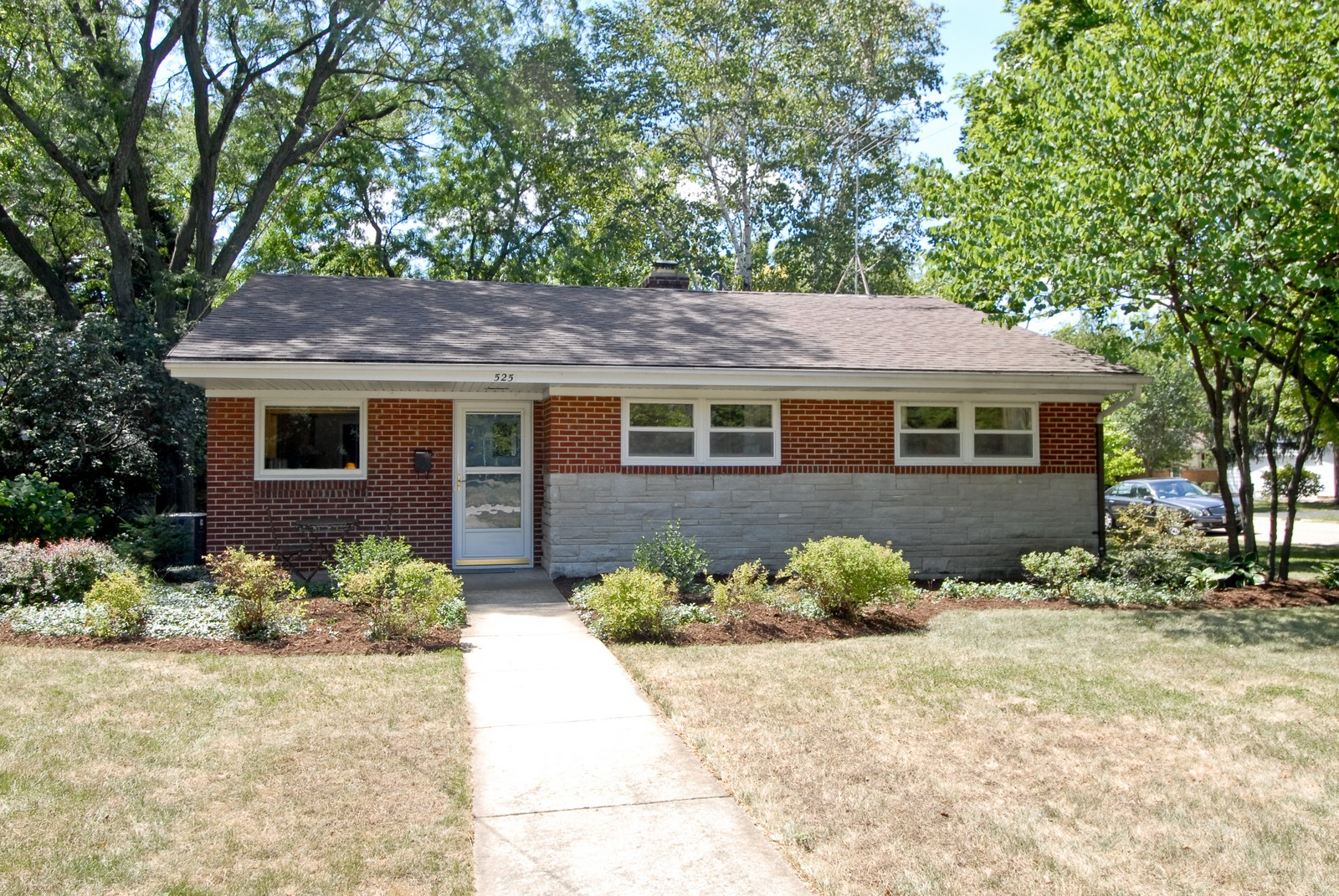 Real Estate Photography - 525 S McKinley St, St Charles, IL, 60174 - Front View
