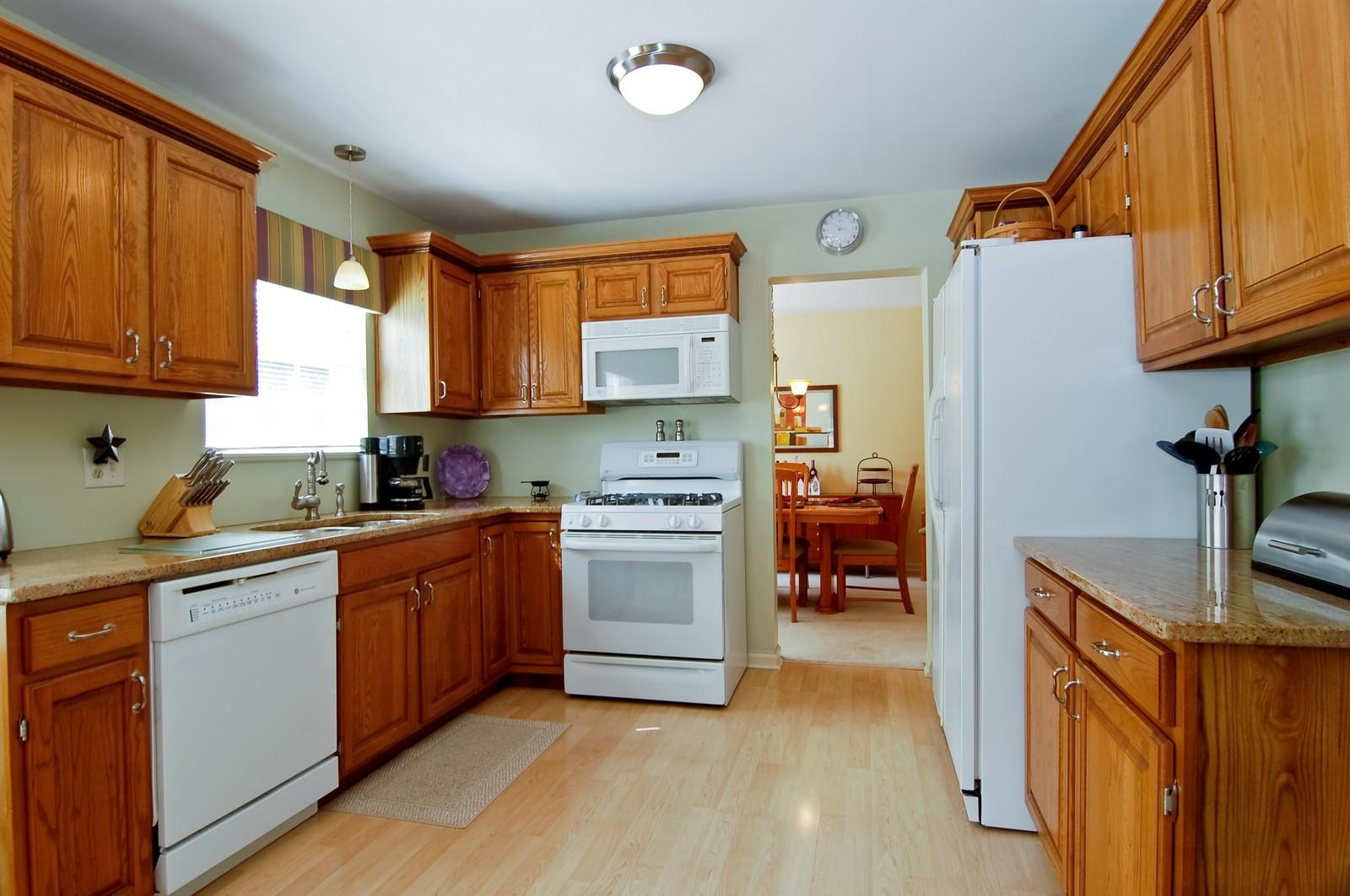 Real Estate Photography - 315 Kensington, Streamwood, IL, 60107 - Kitchen