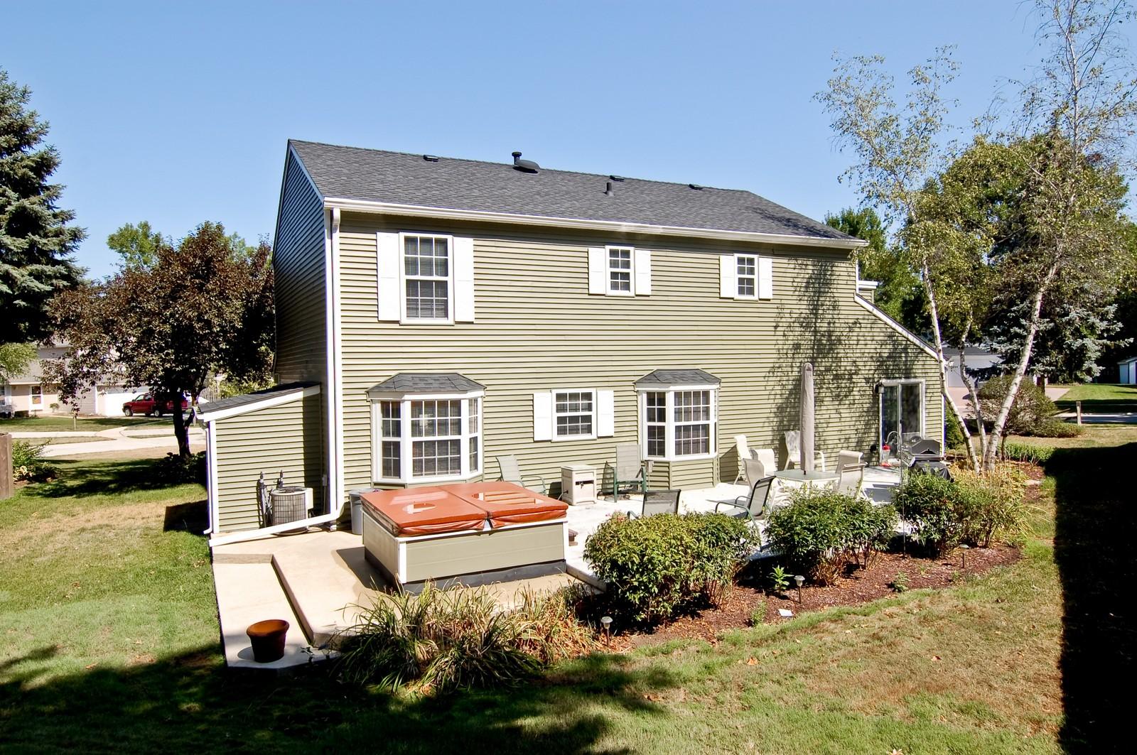 Real Estate Photography - 315 Kensington, Streamwood, IL, 60107 - Rear View
