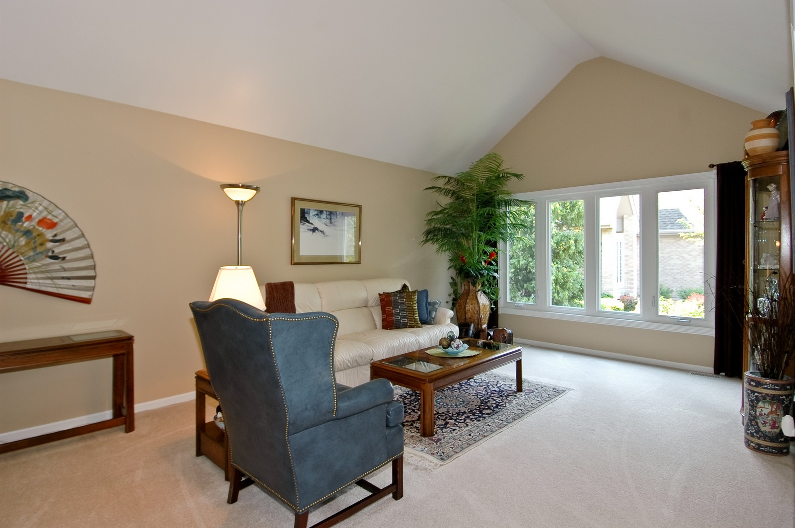 Real Estate Photography - 9015 Loch Glen Dr, Lakewood, IL, 60014 - Living Room