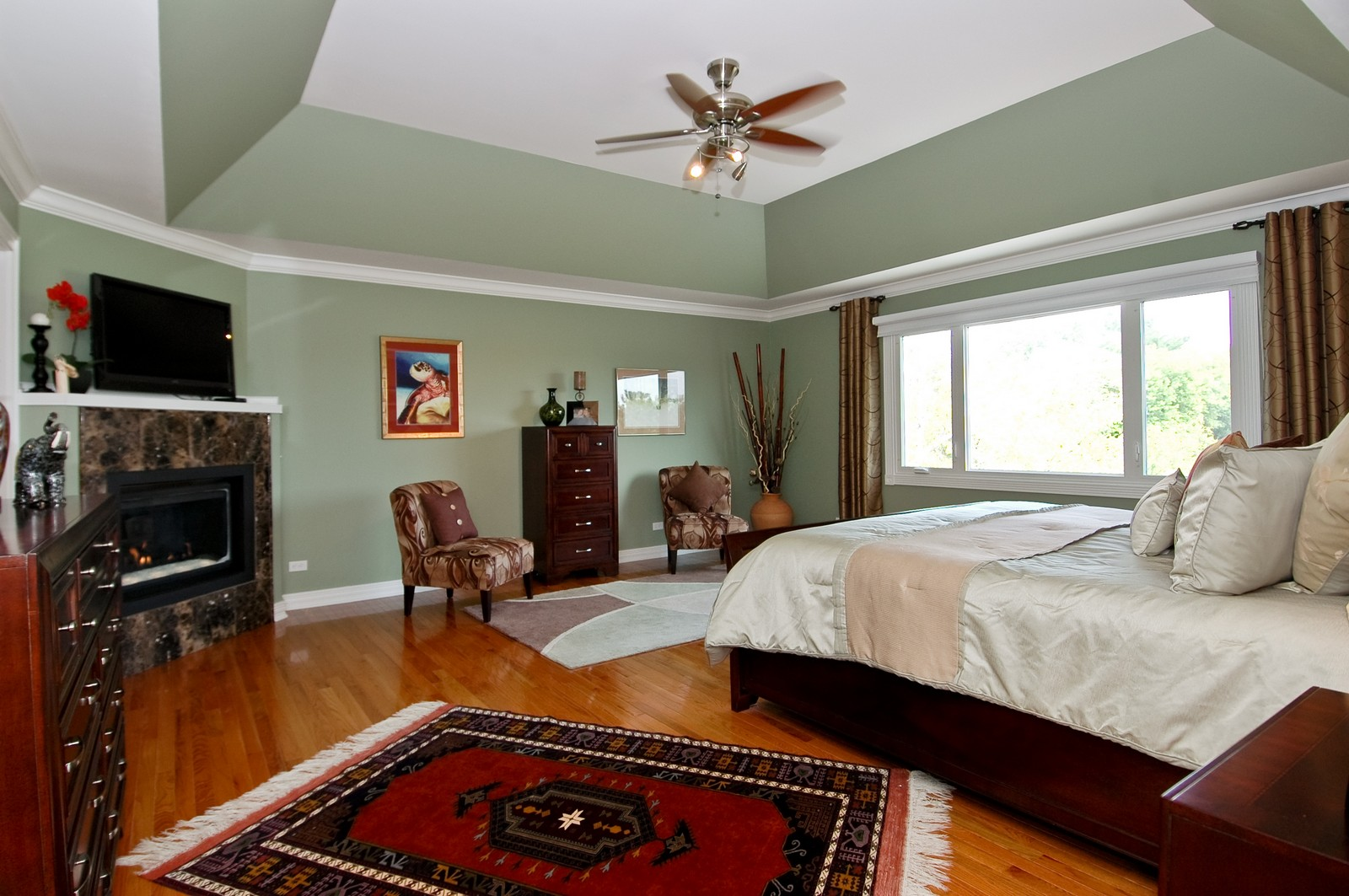 Real Estate Photography - 9015 Loch Glen Dr, Lakewood, IL, 60014 - Master Bedroom