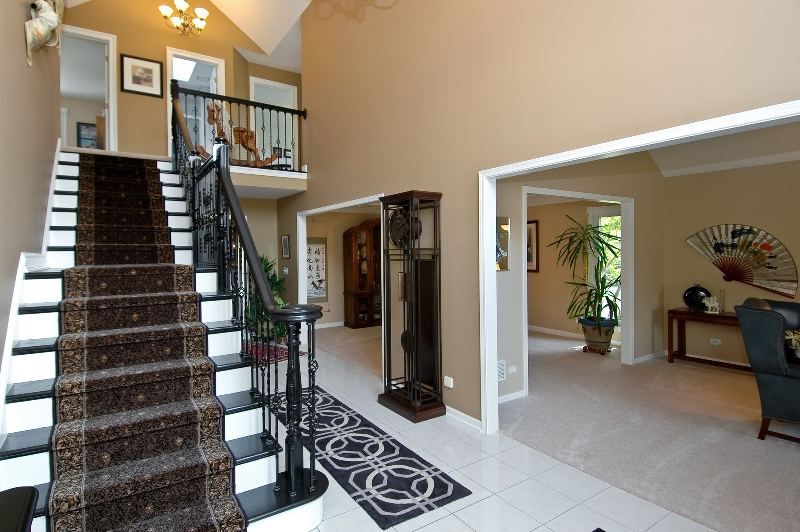 Real Estate Photography - 9015 Loch Glen Dr, Lakewood, IL, 60014 - Foyer