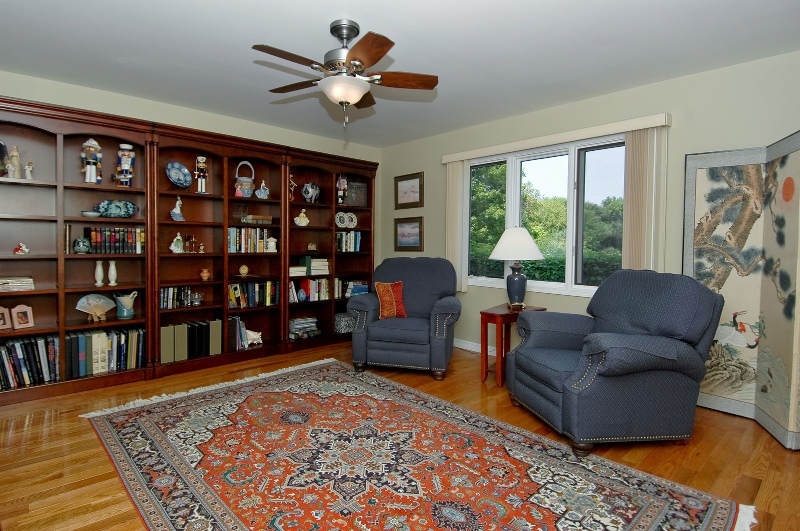 Real Estate Photography - 9015 Loch Glen Dr, Lakewood, IL, 60014 - Library