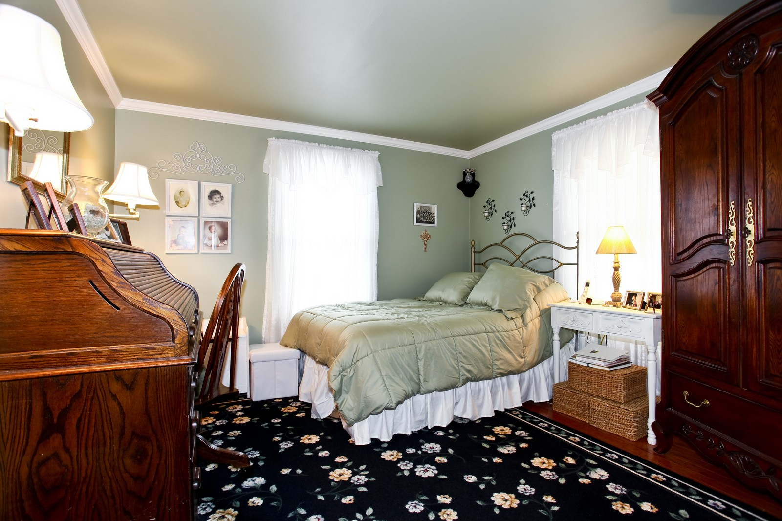 Real Estate Photography - 1427 S 4th St, Saint Charles, IL, 60174 - Master Bedroom