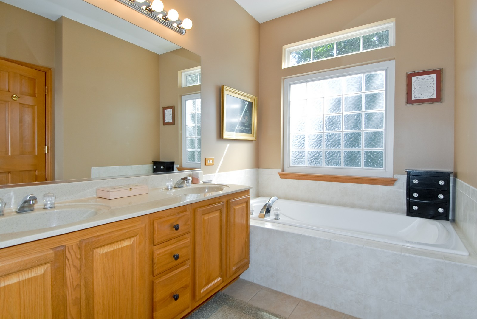 Real Estate Photography - 804 Viewpointe Dr, St Charles, IL, 60174 - Master Bathroom