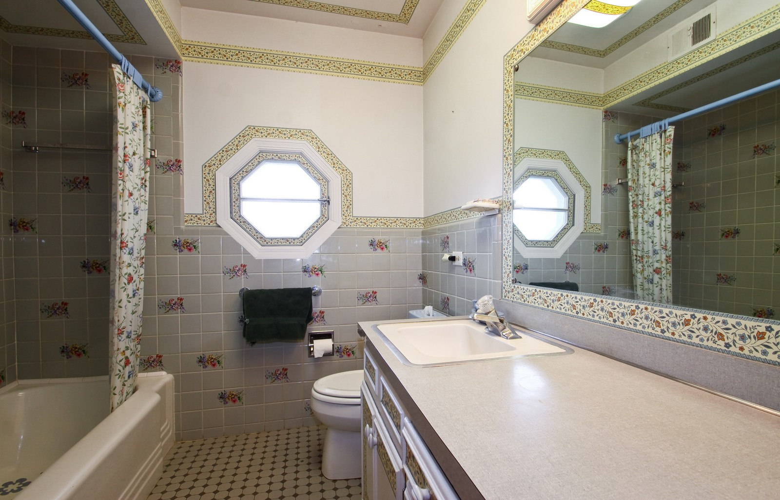 Real Estate Photography - 6935 N Kedvale Ave, Lincolnwood, IL, 60712 - Bathroom