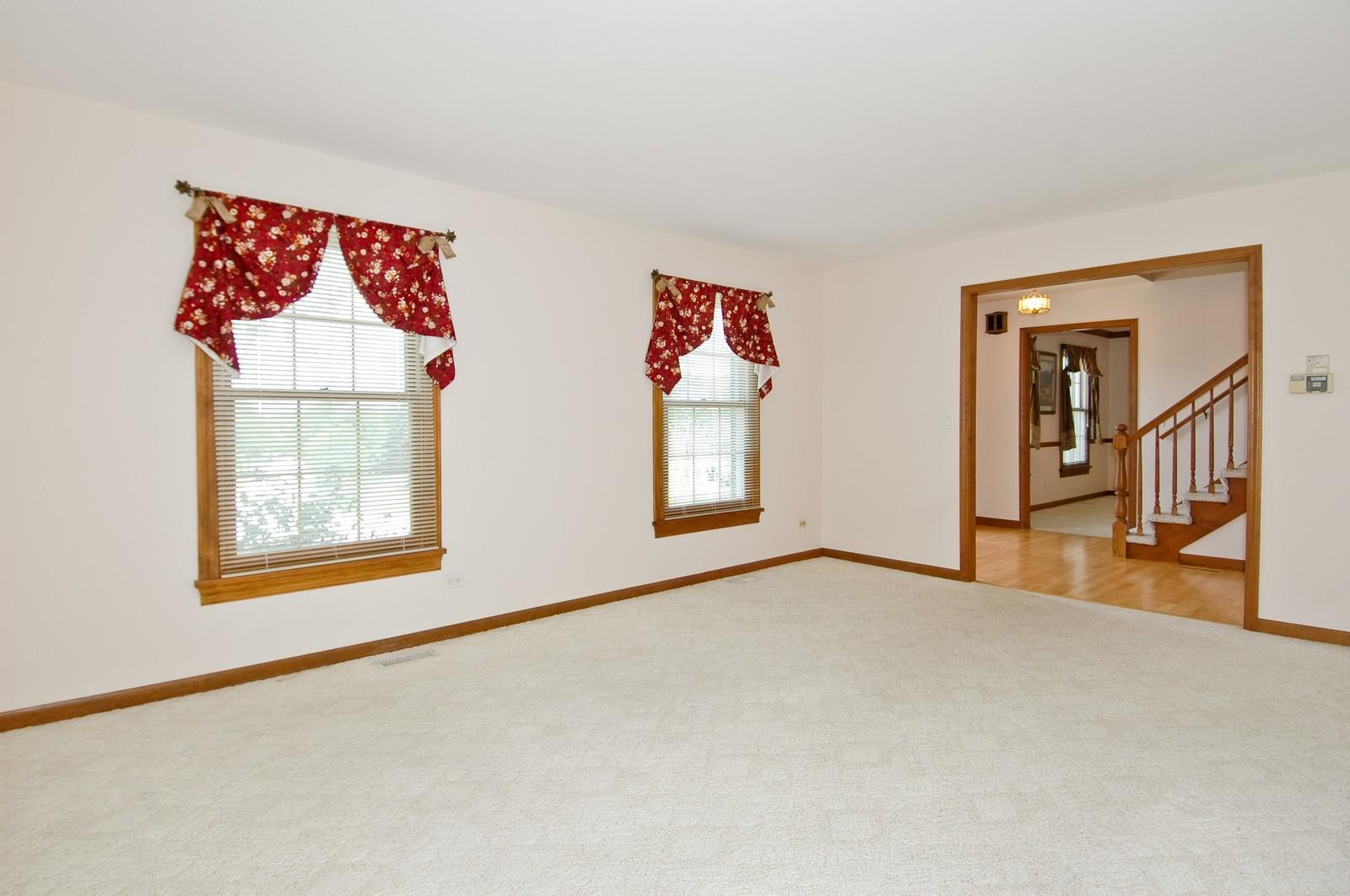 Real Estate Photography - 1435 Brandywine Cir, Algonquin, IL, 60102 - Living Room