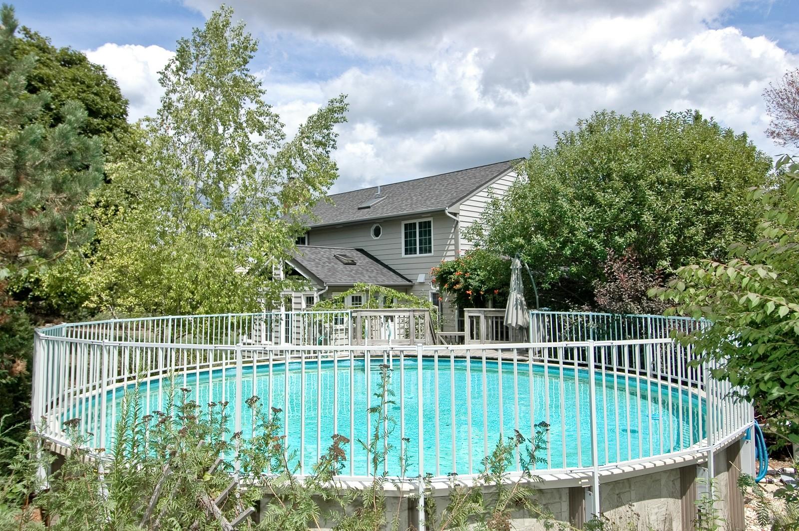 Real Estate Photography - 1435 Brandywine Cir, Algonquin, IL, 60102 - Pool
