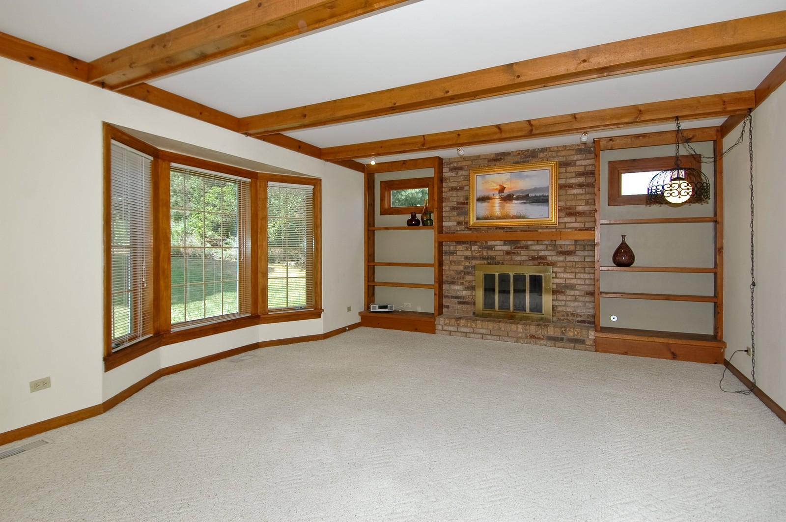 Real Estate Photography - 1435 Brandywine Cir, Algonquin, IL, 60102 - Family Room