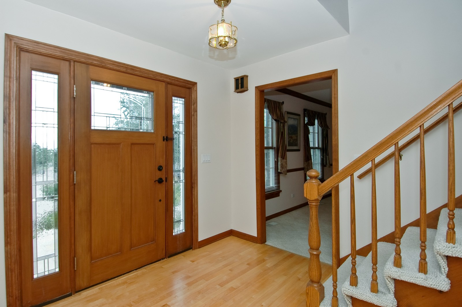 Real Estate Photography - 1435 Brandywine Cir, Algonquin, IL, 60102 - Foyer/Custom Door