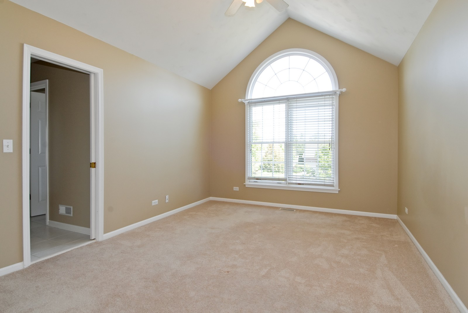 Real Estate Photography - 1264 Keim Ct, Geneva, IL, 60134 - 2nd Bedroom