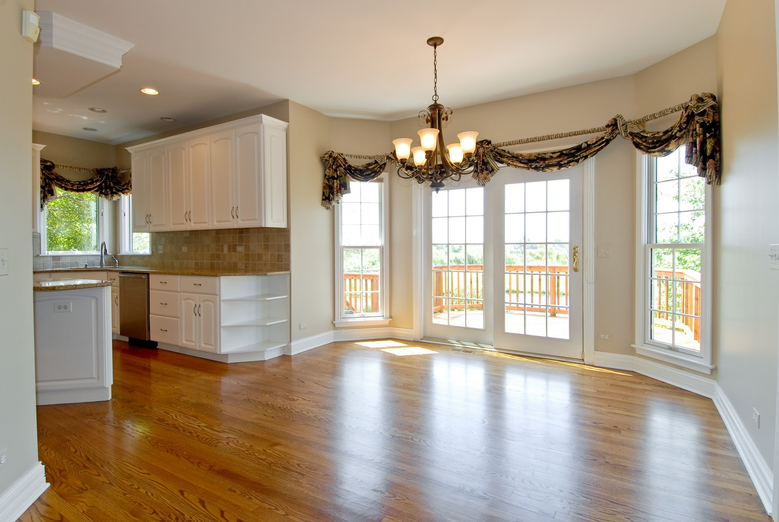 Real Estate Photography - 1264 Keim Ct, Geneva, IL, 60134 - Breakfast Nook