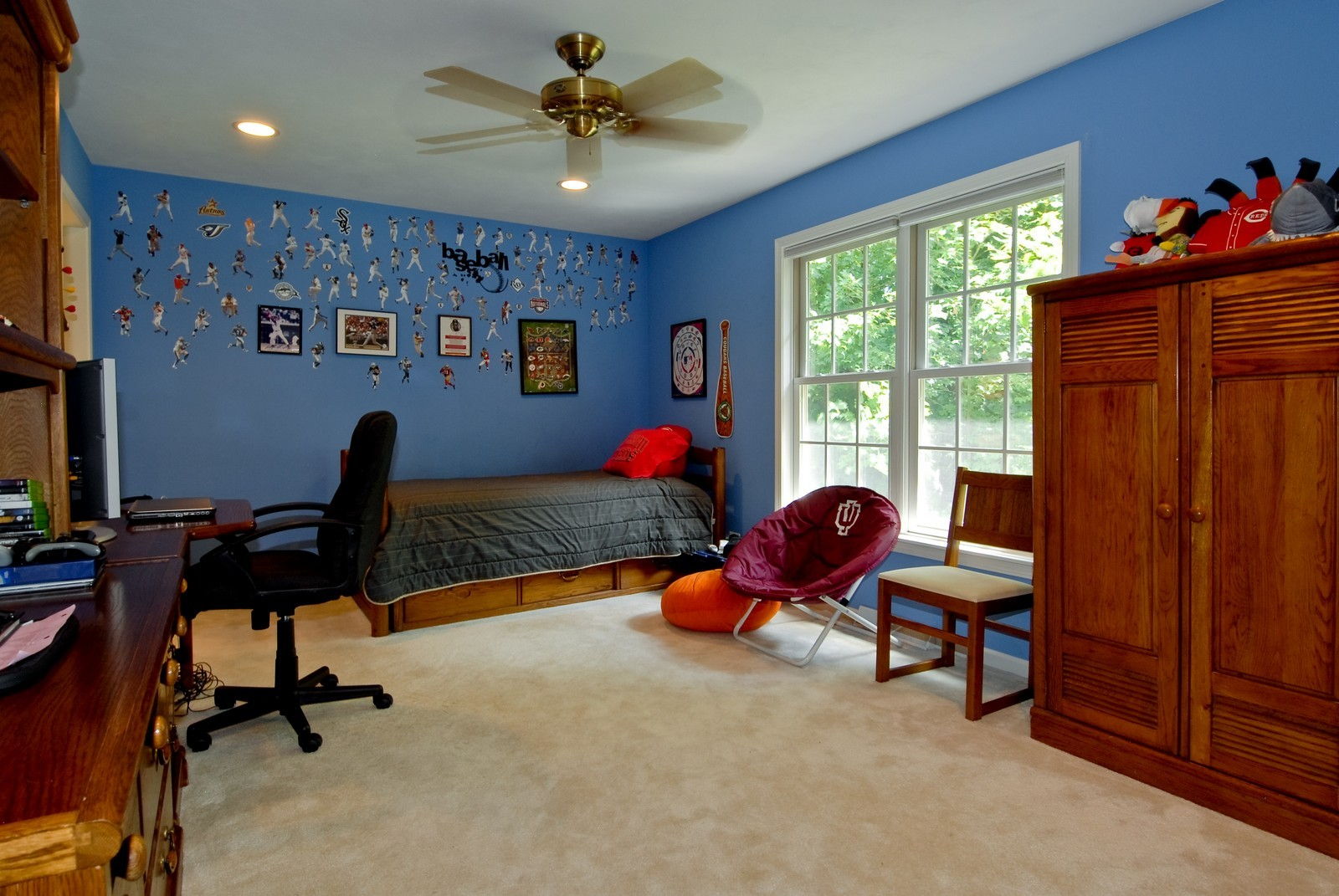 Real Estate Photography - 2502 Majestic Oaks Ln, Saint Charles, IL, 60174 - 2nd Bedroom