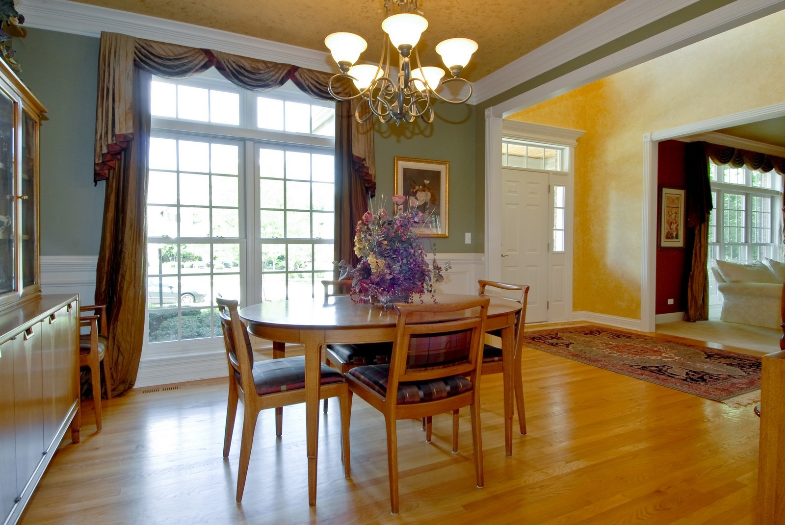Real Estate Photography - 2502 Majestic Oaks Ln, Saint Charles, IL, 60174 - Dining Room