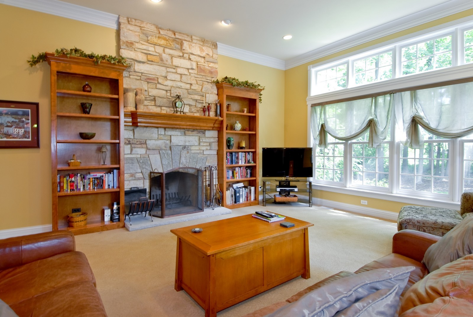 Real Estate Photography - 2502 Majestic Oaks Ln, Saint Charles, IL, 60174 - Family Room