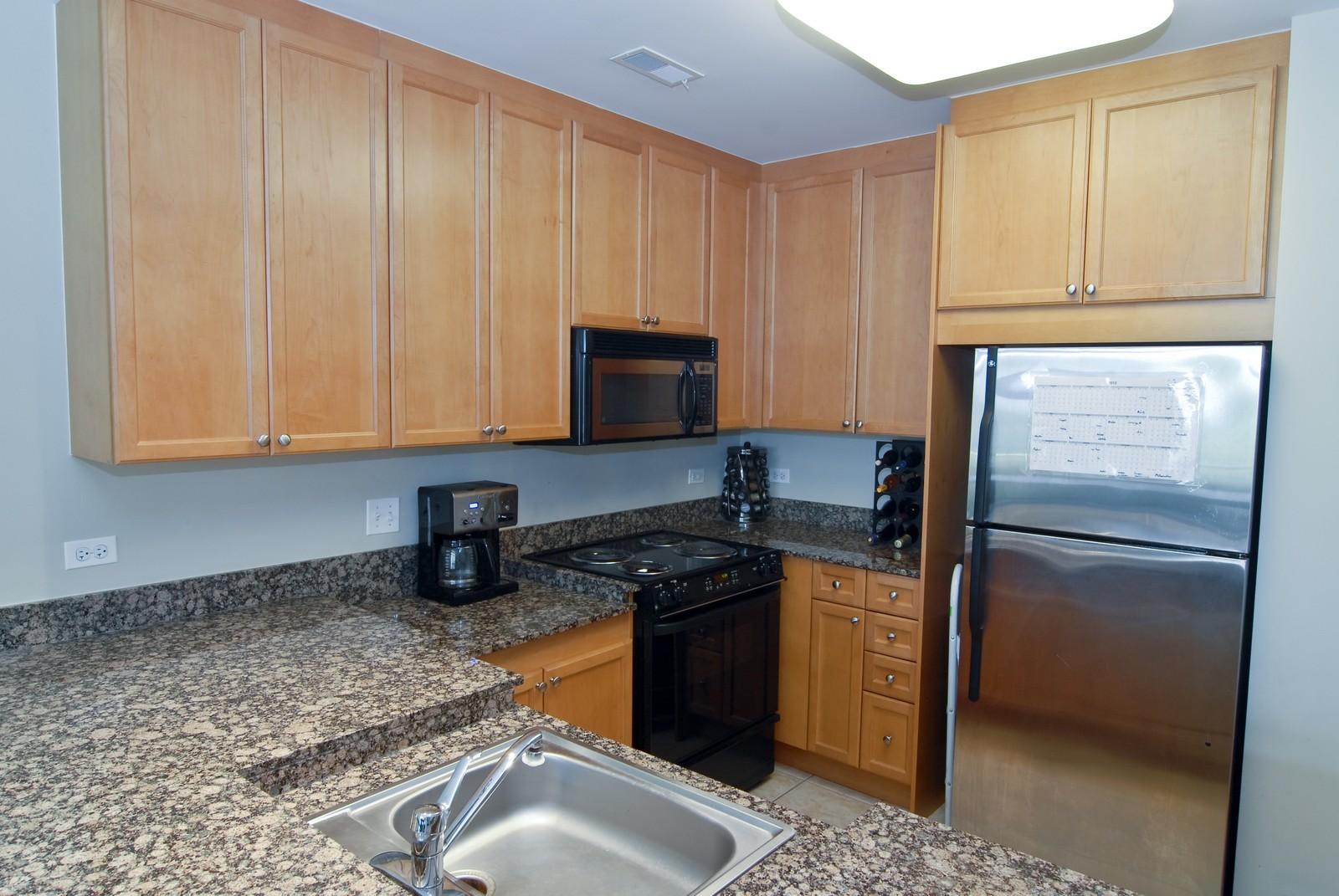 Real Estate Photography - 125 Euclid Ave, Unit 407, Oak Park, IL, 60301 - Kitchen