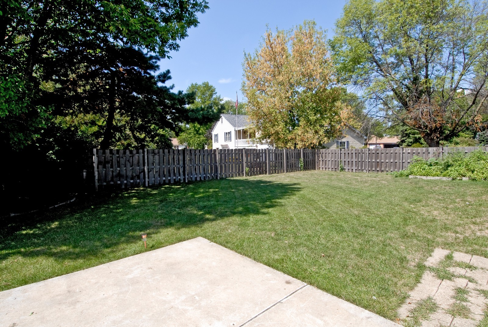 Real Estate Photography - 1563 Banbury Ave, St Charles, IL, 60174 - Back Yard