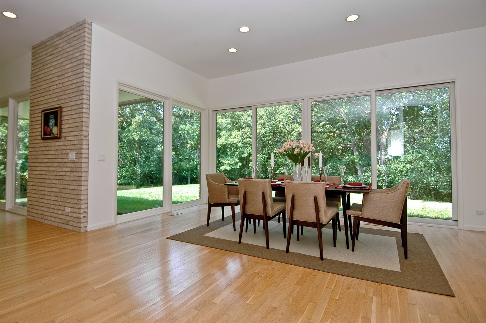 Real Estate Photography - 4 Far Hills Rd, Barrington Hills, IL, 60010 - Dining Area