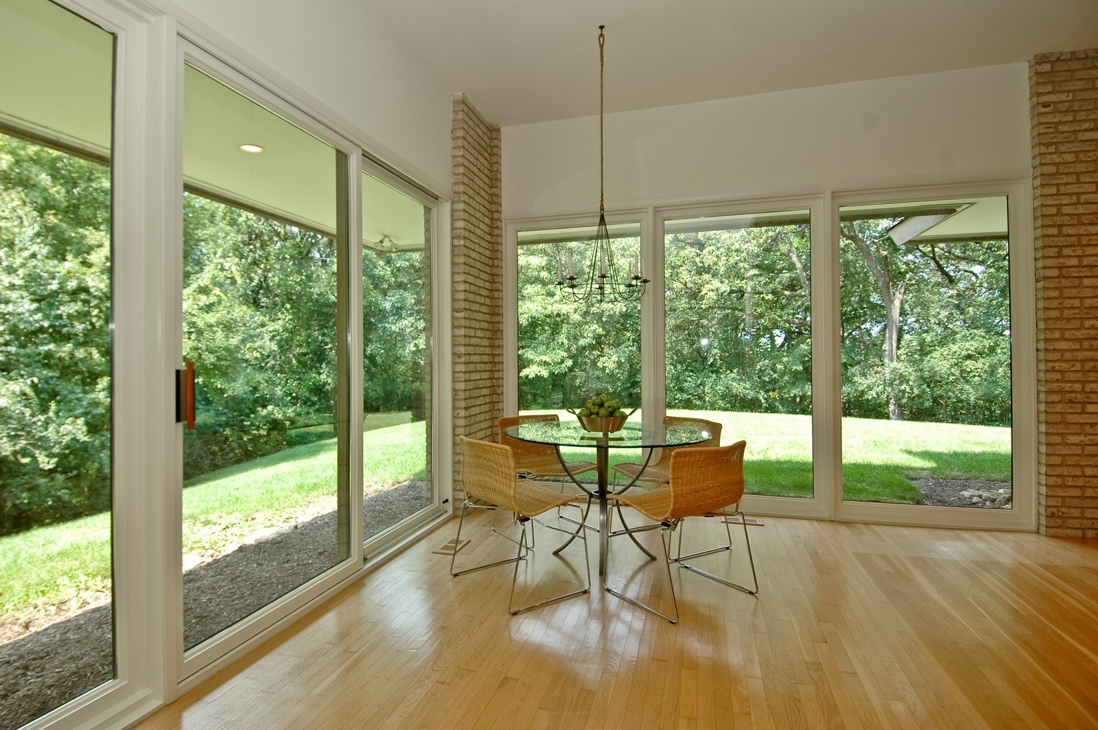 Real Estate Photography - 4 Far Hills Rd, Barrington Hills, IL, 60010 - Breakfast Area